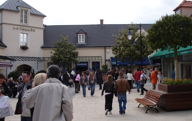 Factory Outlet Malls in Paris, France | Discount Designer Shopping ...