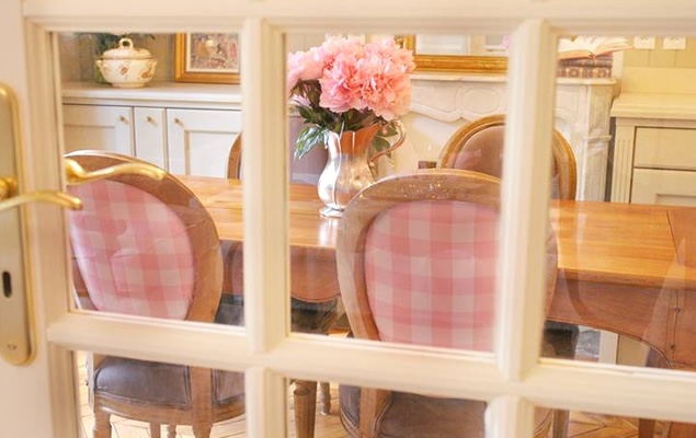 Dine in luxury in the Beaune apartment