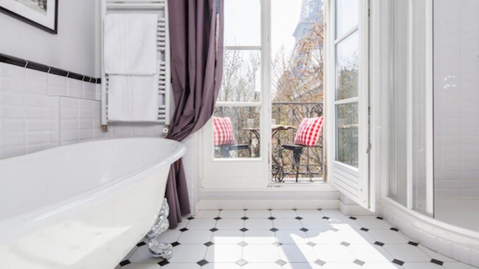 Toilets & Bathrooms in Paris Apartments