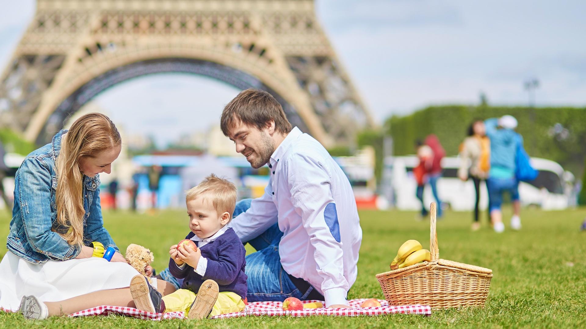 Picnic in Paris This Summer