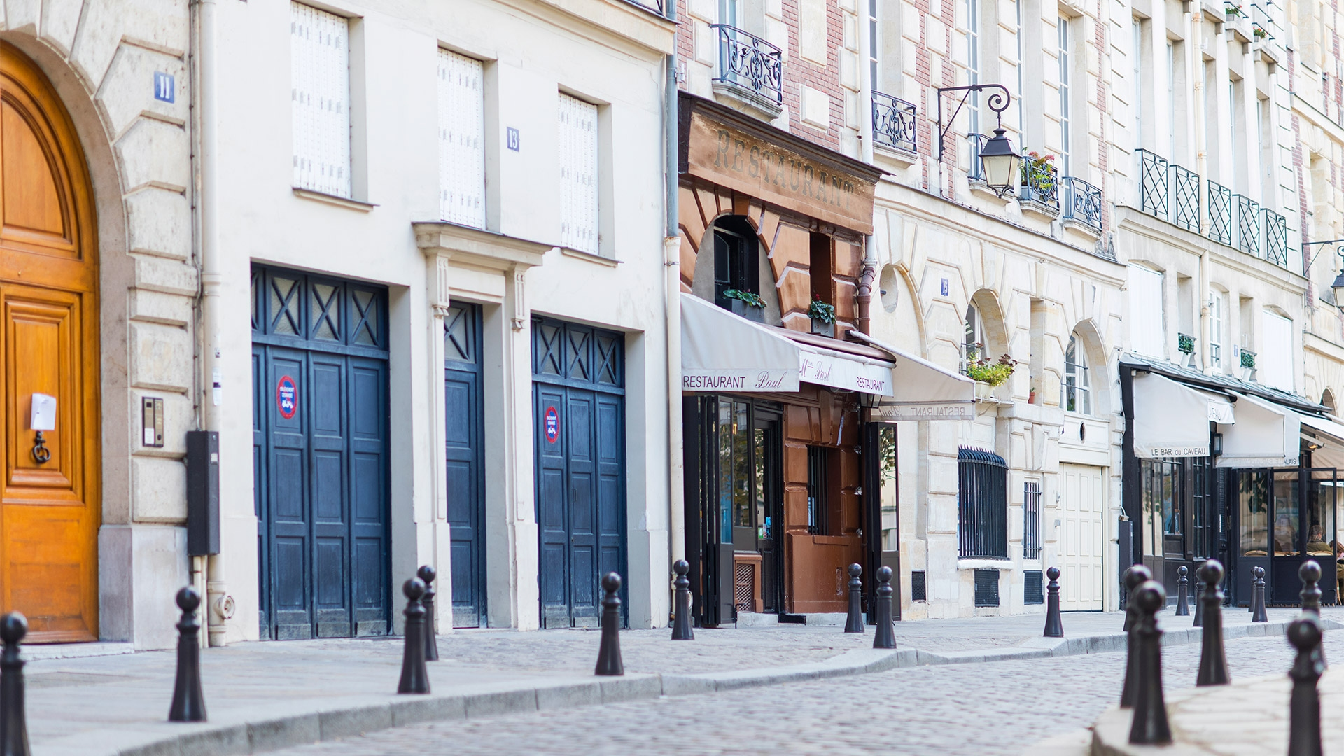 Getting Around Paris from Place Dauphine