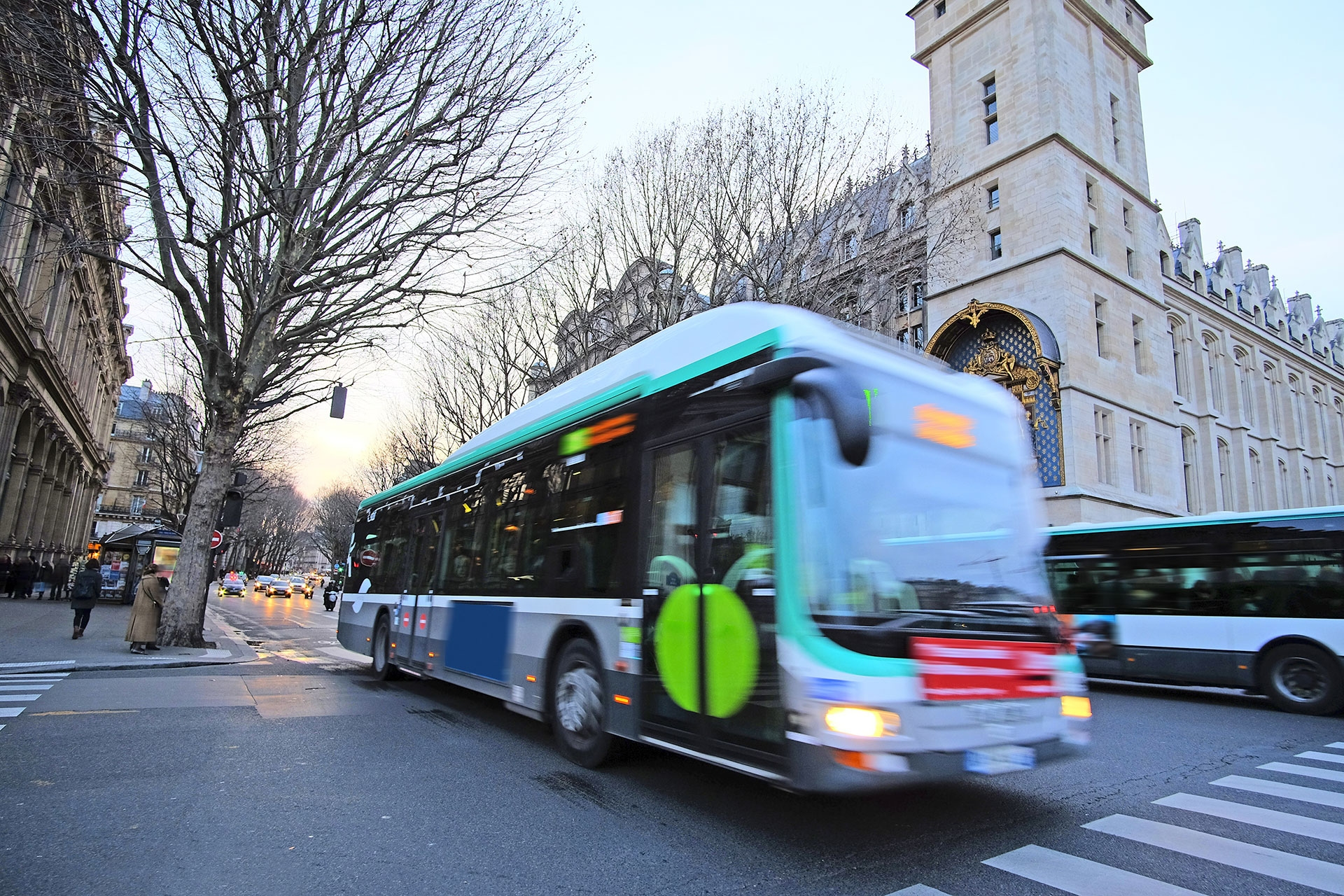 Public Buses in Paris