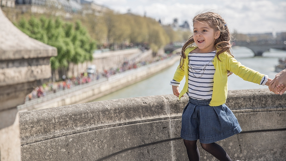 Kids Love Paris Apartments