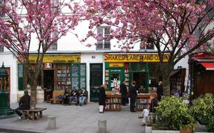 Best of Paris: Brunch Spots and Bookshops