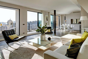 Luxurious Parisian holiday in 4 bedroom apartment rental. Book Now.