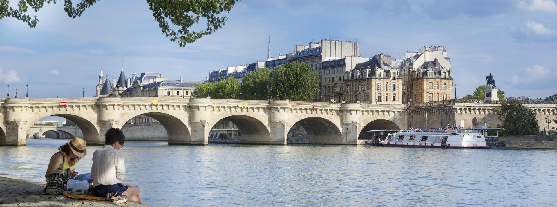 La Petitie Dauphine, location in the center of Paris