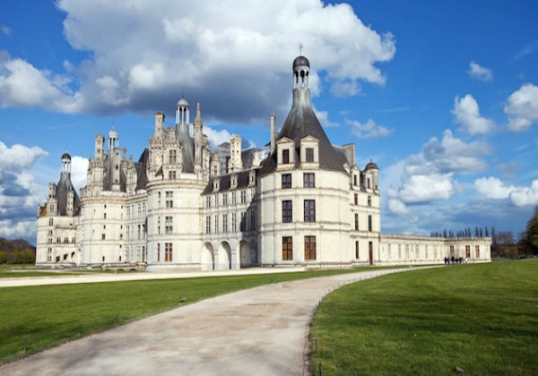 Guided Tour of the Loire Valley Châteaux from Paris in a Small Group