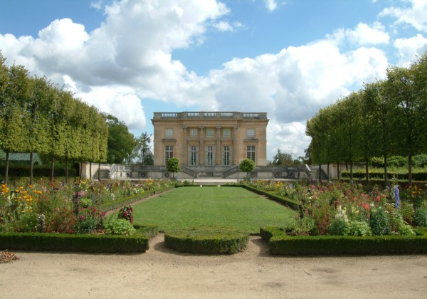 Full Day Guided Excursion to Versailles and the Trianon in a Small Group